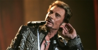 Johnny Hallyday terrassé par un cancer